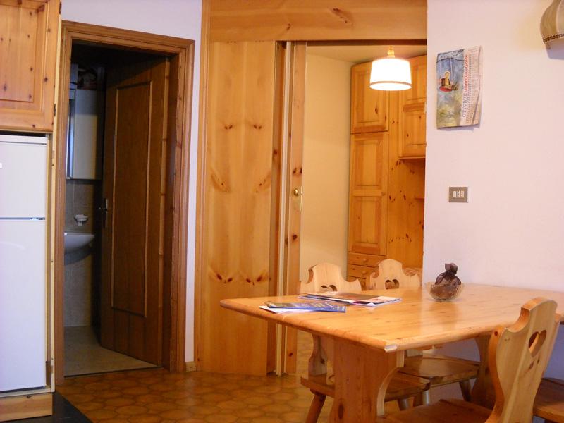 Appartamento 1 appartamenti carla campitello di fassa for Appartamento monolocale di 600 m